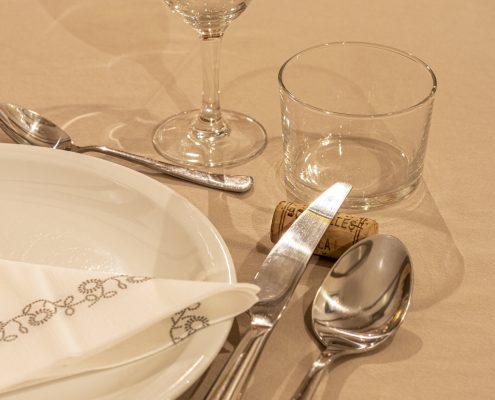 Détail de la table d'Hôtes Kerburu